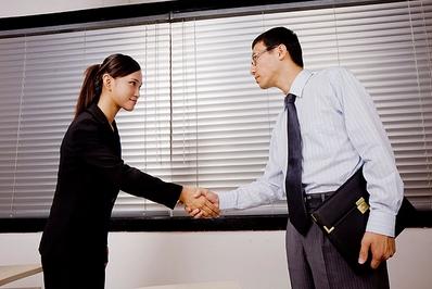 接受先办事后收费,专业合同,欠款,交通事故,工伤赔偿律师